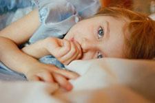 عادة مص الاصابع عند الاطفال وكيفية التخلص منها